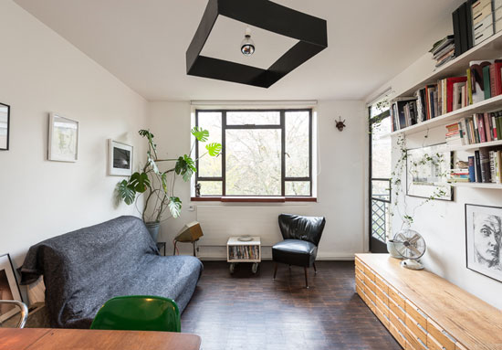 Two-bedroom flat on the Berthold Lubetkin-designed Spa Green Estate in Clerkenwell, London EC1