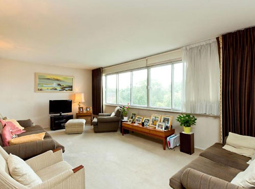 Three-bedroom flat in the Berthold Lubetkin-designed Highpoint building in Highgate, London