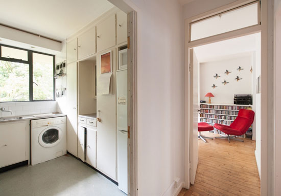 Two-bedroom flat in the Berthold Lubetkin-designed Spa Green Estate in Clerkenwell, London EC1