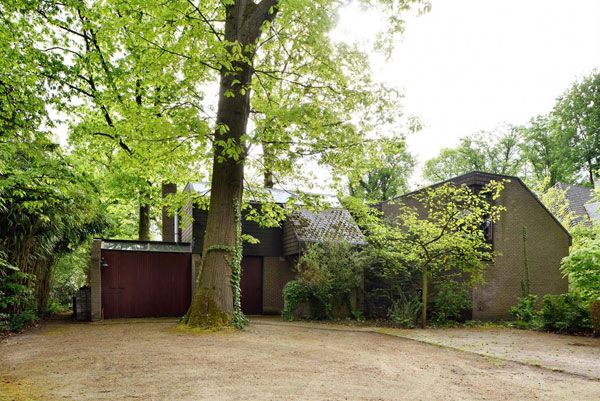 1970s Lode Wouters modernist time capsule in 's-Gravenwezel, Belgium