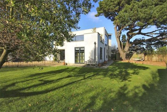 Five-bedroom contemporary modernist property in Lymington, Hampshire