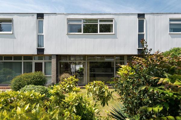 1960s Edward Schoolheifer modern house on Manygate Lane, Shepperton, Surrey