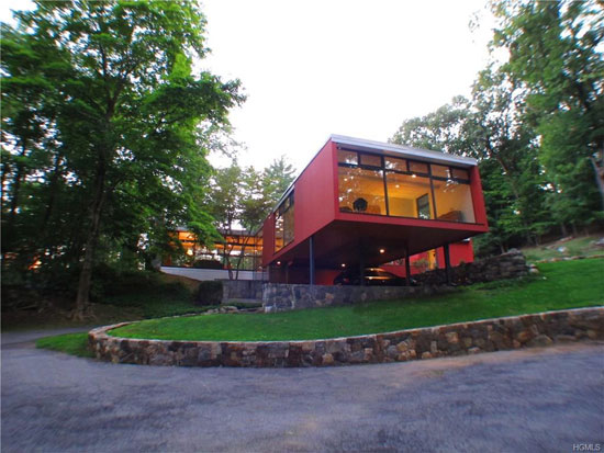 On the market: 1950s modernist property in New Castle, New York, USA