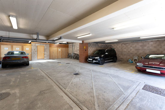 Apartment in the 1930s Manor Road Garage in East Preston, West Sussex