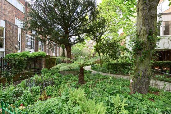 1970s Fry Drew & Partners-designed modernist property in London W14
