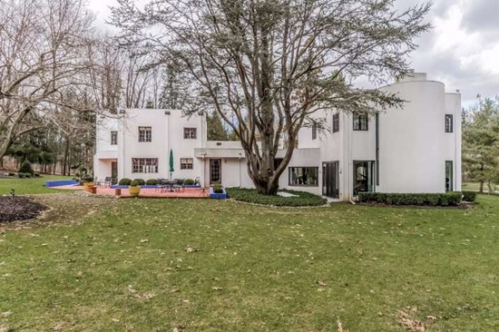 1930s modernist property in New Hope, Pennsylvania, USA
