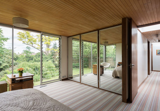 1960s Michael Manser-designed single-storey modernist property in Ashtead, Surrey