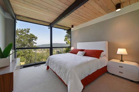 Updated 1960s midcentury modern property in San Anselmo, California, USA