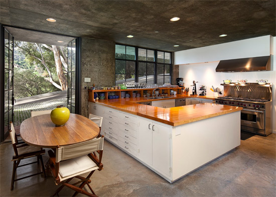 1970s Roland E. Coate Jr-designed modernist property in Santa Barbara, California, USA