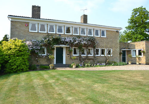 On the market: Mary Medd-designed, 1930s modernist Sewell's Orchard house in Tewin, Hertfordshire