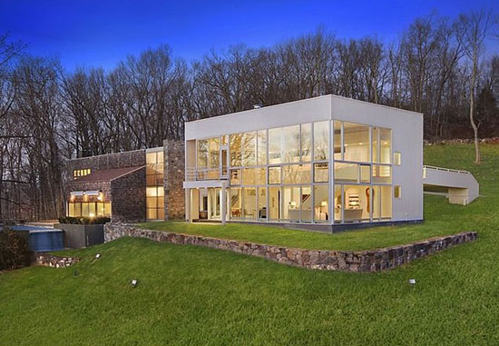 On the market: 1970s Richard Meier-designed Orchard Hill modernist property in Mount Kisco, New York, USA