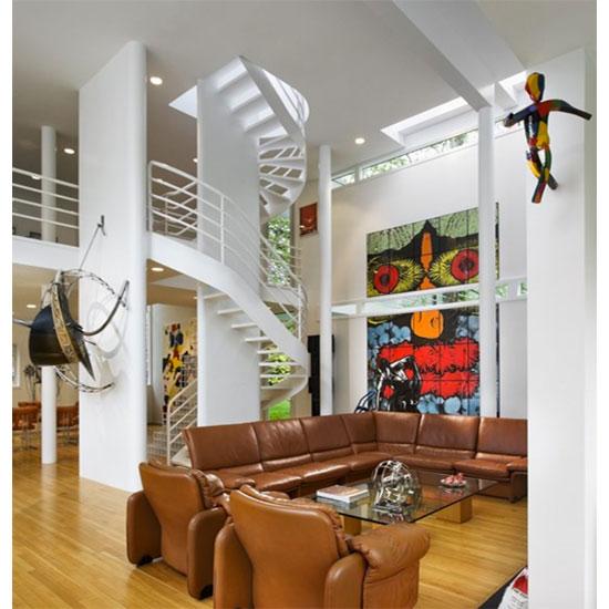 1970s Richard Meier-designed White Castle in Old Westbury, New York, USA
