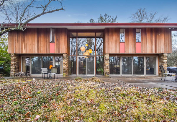 1960s Jasper Ward midcentury modern property in Bloomington, Indiana, USA