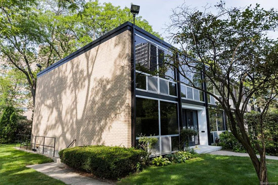 On the market: Mies Van Der Rohe-designed townhouse in Lafayette Park, Detroit, Michigan, USA