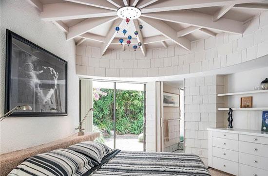 Circular modernism: 1970s Dan Duckham-designed property in Lutz, Florida, USA