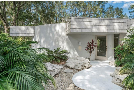 Circular modernism: 1970s Dan Duckham-designed property in Lutz, Florida, USA