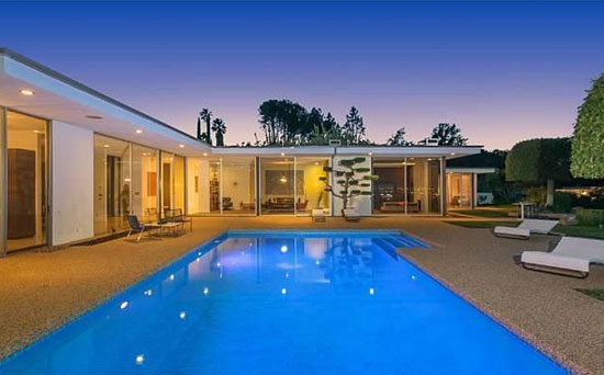 On the market: 1960s midcentury-modern property in Encino, Los Angeles. California, USA