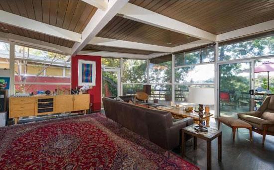 Three-bedroom 1950s midcentury modern property in Los Angeles, California, USA
