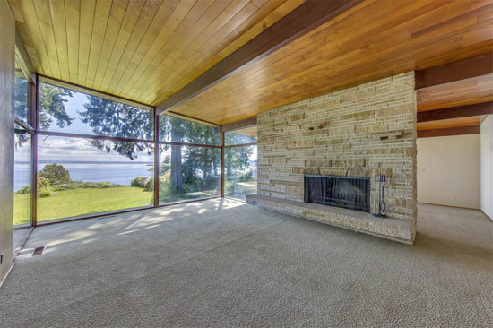 1950s midcentury modern: Four-bedroom property in Bainbridge Island, Washington, USA