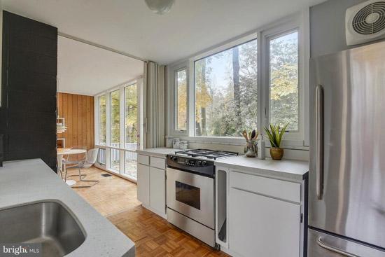 1950s Charles Goodman midcentury modern house in Alexandria, Virginia, USA