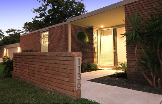 On the market: Renovated midcentury modern two-bedroom house in Houston, Texas, USA