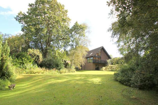 Cheshire Robbins-designed three-bedroom property in New Milton, Hampshire