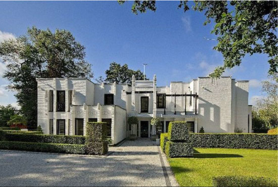 On the market: D E Harrington-designed The Whitehouse 1930s modernist property in Mill Hill, London NW7