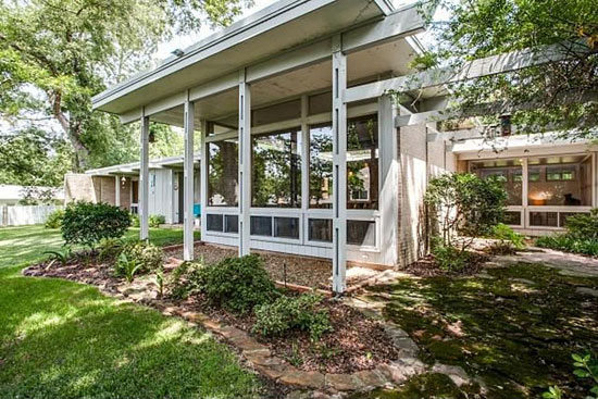 On the market: 1950s E. Davis Wilcox-designed midcentury modern property in Mineola, Texas, USA