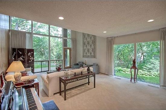 1960s James Stageberg-designed midcentury modern property in Edina, Minnesota, USA