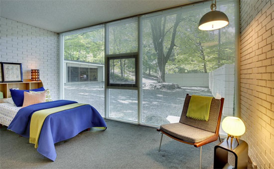 1950s Ralph Rapson-designed modernist property in Chanhassen, Minnesota, USA