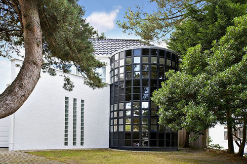 On the market: Five-bedroomed modernist-inspired house in Sandbanks, Poole, Dorset