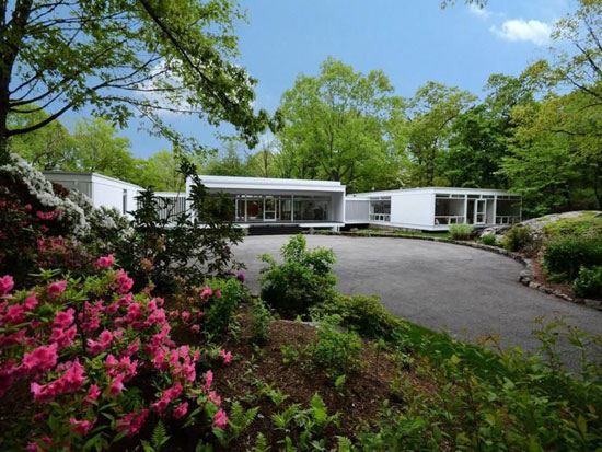 1950s John Johansen-designed Goodyear House in Darien, Connecticut, USA
