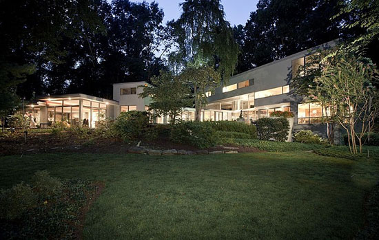 On the market: 1970s Hartman-Cox-designed modernist property in Potomac, Maryland, USA