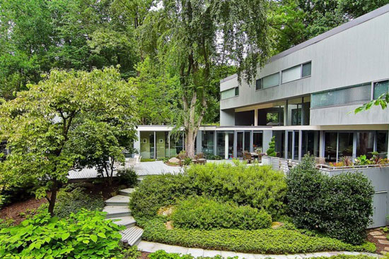 1970s Hartman-Cox-designed modernist property in Potomac, Maryland, USA