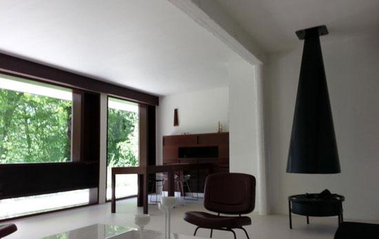 1950s Andre Wogenscky-designed modernist property in Saint-Forget, Ile-de-France, France