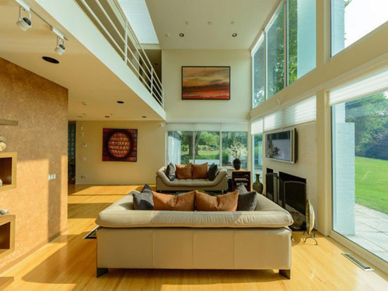 1980s four-bedroom modernist property in Lloyd Harbor, New York state, USA