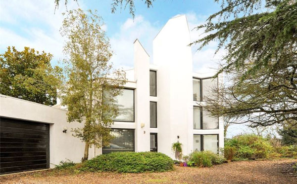 1970s modernism: Artist Constructor-designed property in Flax Bourton, Somerset