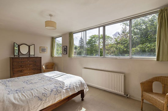 1960s modern house in Kenwood, London N6
