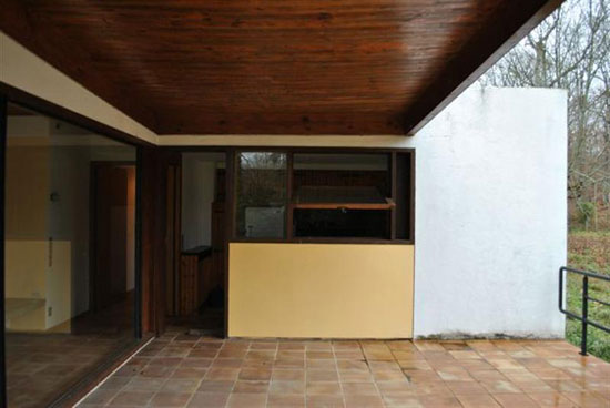 1960s Le Corbusier-inspired modernist property in Gatinais-Orleans, central France