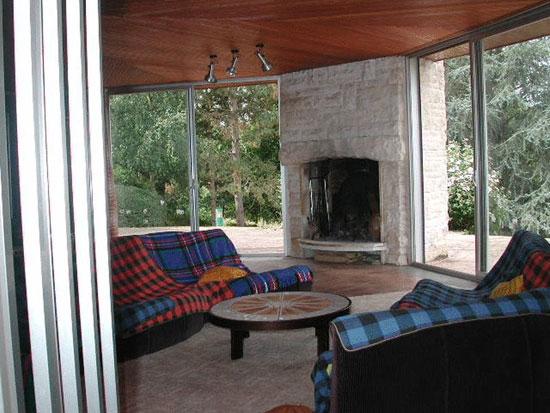 1960s modernist property in Proche, near Moussac, southern France