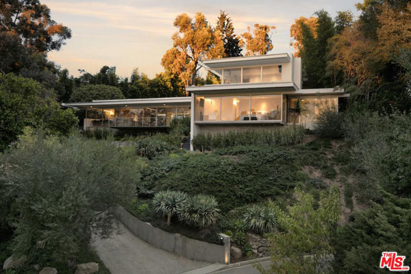 1950s Richard Neutra-designed Hammerman House in Los Angeles, California