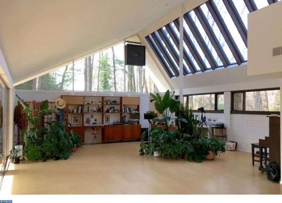 1960s modernism: Richard Neutra-designed property in Philadelphia, Pennsylvania, USA