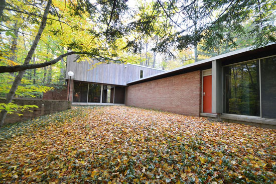 Time capsule for sale: 1960s Robert Clark-designed midcentury property in Webster, New York, USA