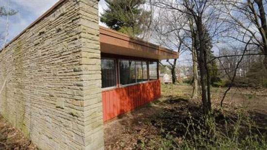 1960s Richard Neutra-designed midcentury modern property in Uniontown, Pennsylvania, USA