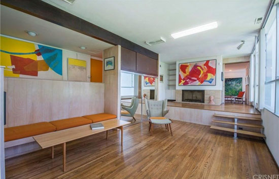 1960s modernism: Richard Neutra-designed Robert L. Hendershot House in West Hollywood, California, USA