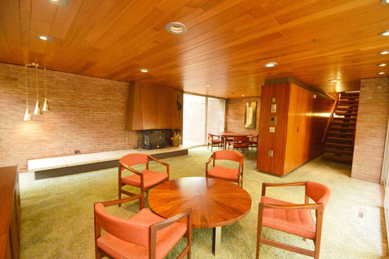 1960s Robert Clark-designed midcentury property in Webster, New York, USA
