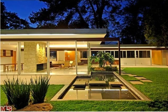 1950s Richard Neutra-designed Singleton House in Los Angeles, California, USA