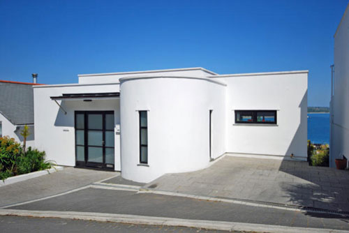 Two bedroom art deco-styled property in Newlyn, West Cornwall