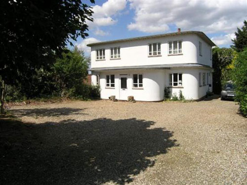 Art deco on a budget: Two-bedroomed detached house in Norwich, Norfolk