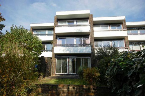 In need of renovation: 1960s Norman Starrett-designed townhouse in Chislehurst, Kent